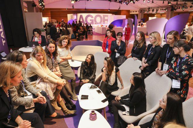 Women's forum for economy: donne al centro del cambiamento