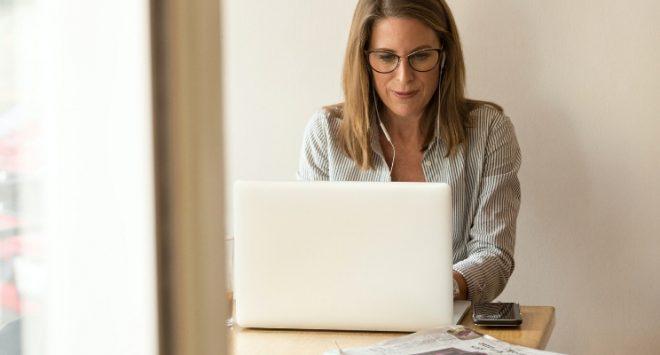 Citi: come il Covid intacca la partecipazione e la crescita del lavoro femminile