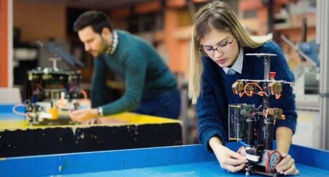 In Italia lavora 1 donna su 2, penultimo posto nella classifica Eurostat: il più grande freno alla crescita